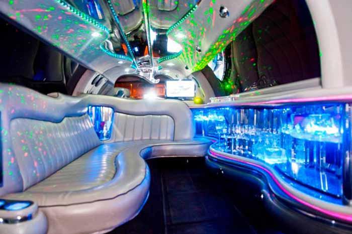Noleggio limousine roma for Noleggio arredi roma