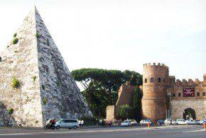 roma egizia percorso tra piramidi e templi