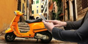 muoversi a roma in moto sharing